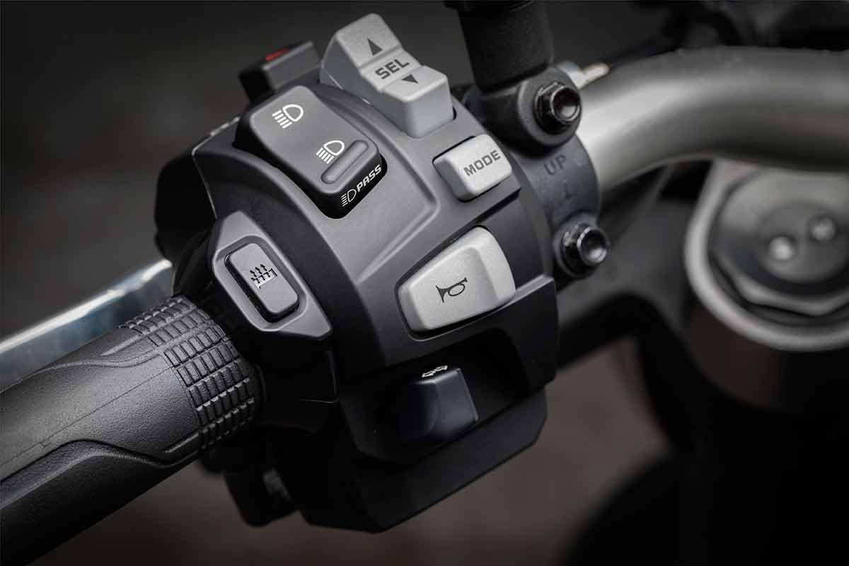 Honda CB1000R 10