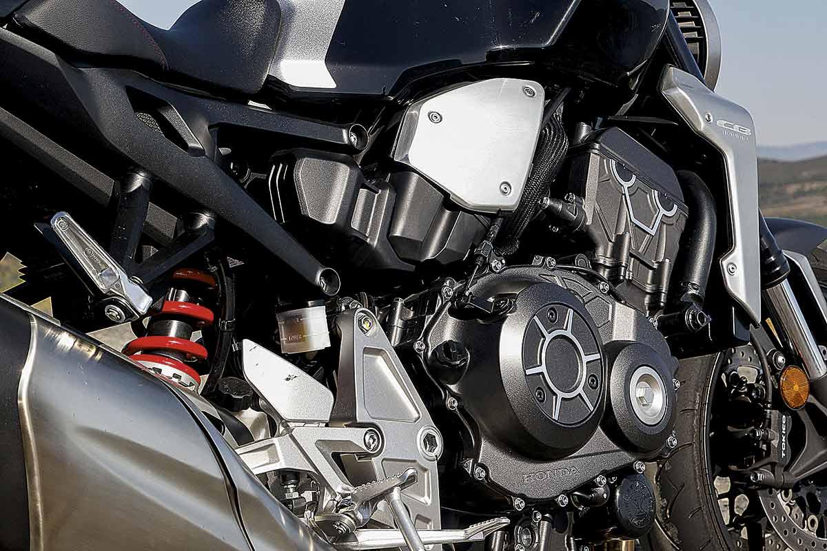 Honda CB1000R 12