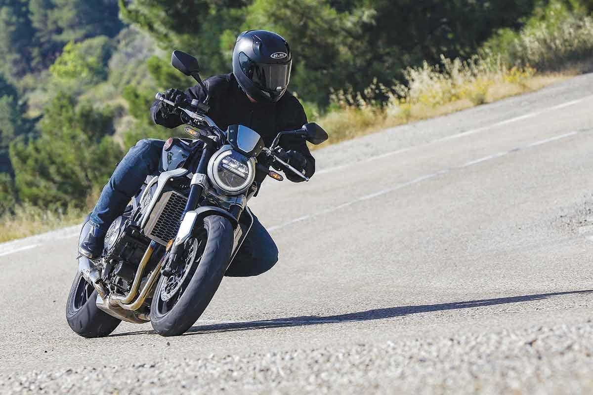 Honda CB1000R 4