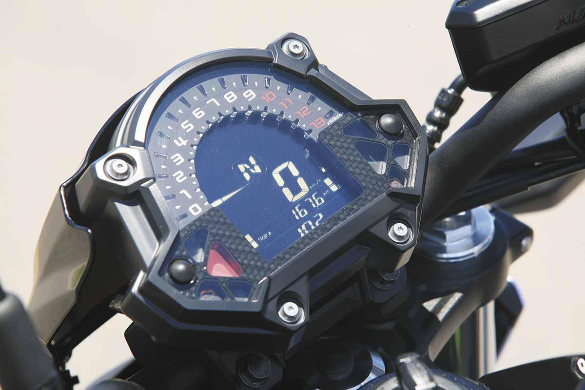 Kawasaki Z650 25