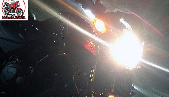 Hero Hunk 200R de noche apertura