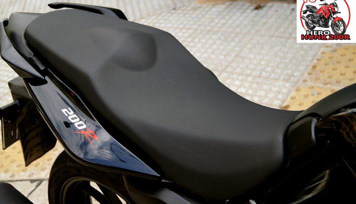 Hero Hunk 200R ergonomia apertura