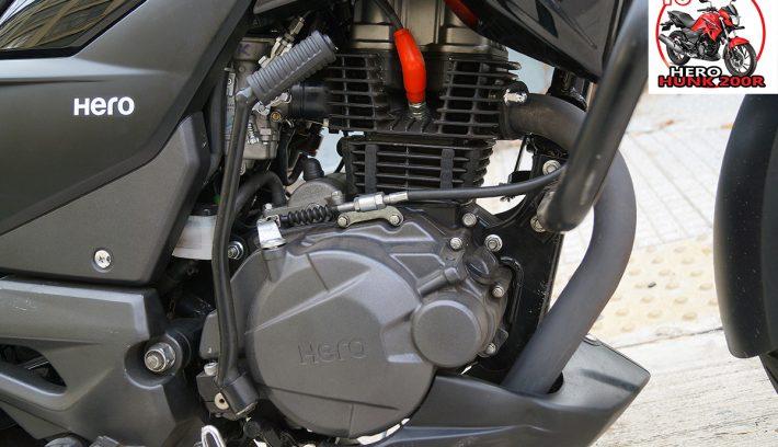 Hero Hunk 200R motor apertura