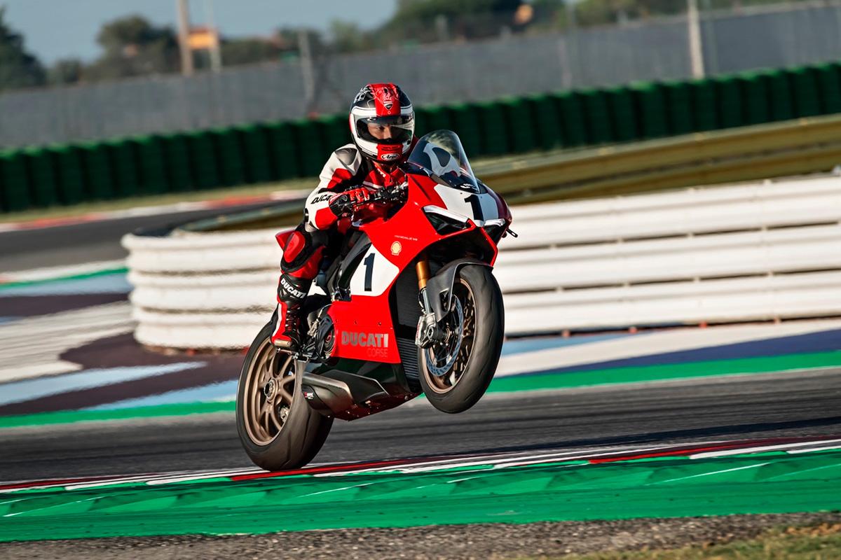 Ducati 916 Edicion limitada v4 3