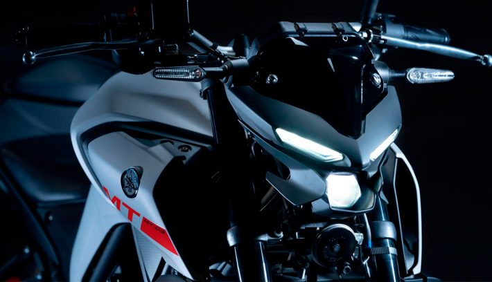 Yamaha MT 03 6