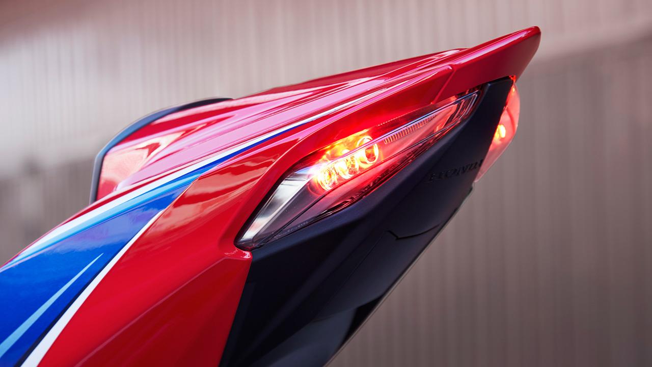 Honda CRB 1000 RR R SP 3