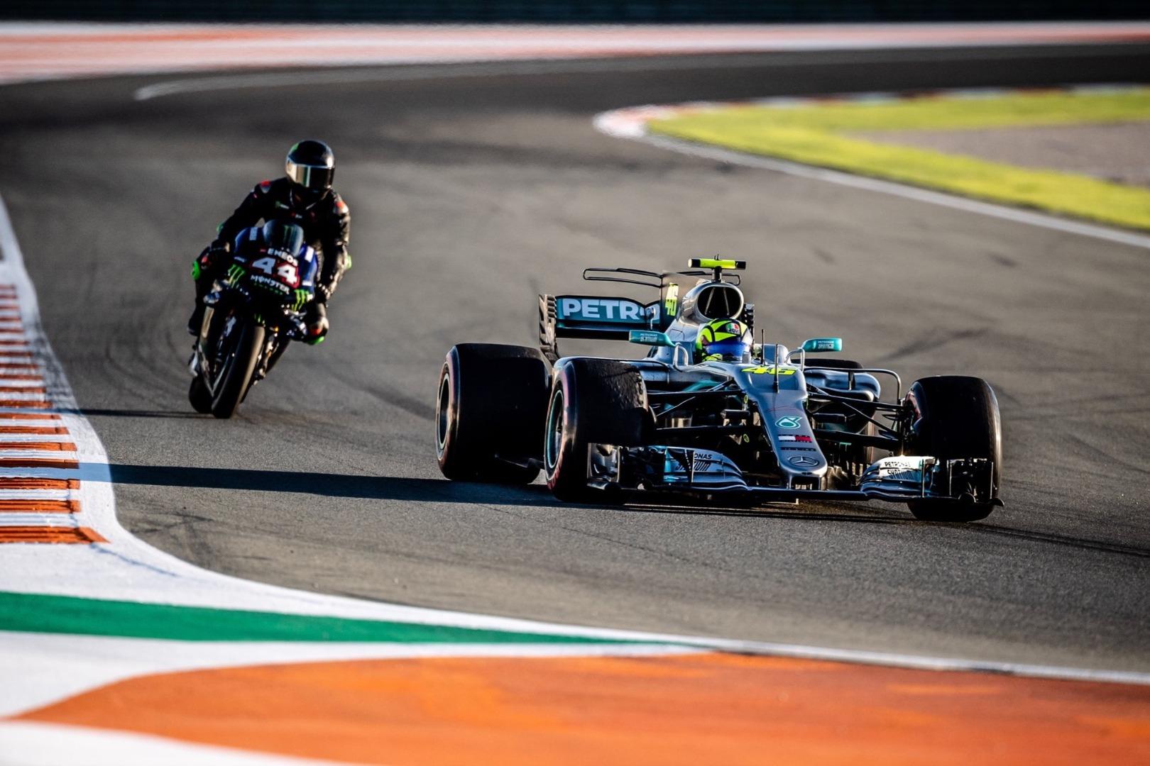Rossi F1 Y Hamilkton MotoGp 2