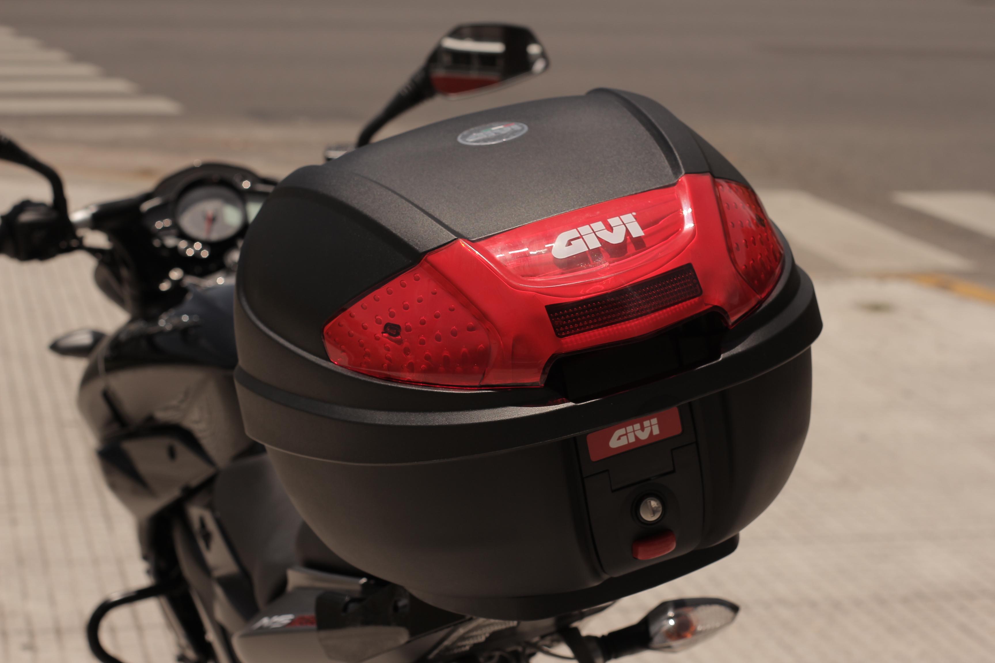 NS200 Givi Edition 1