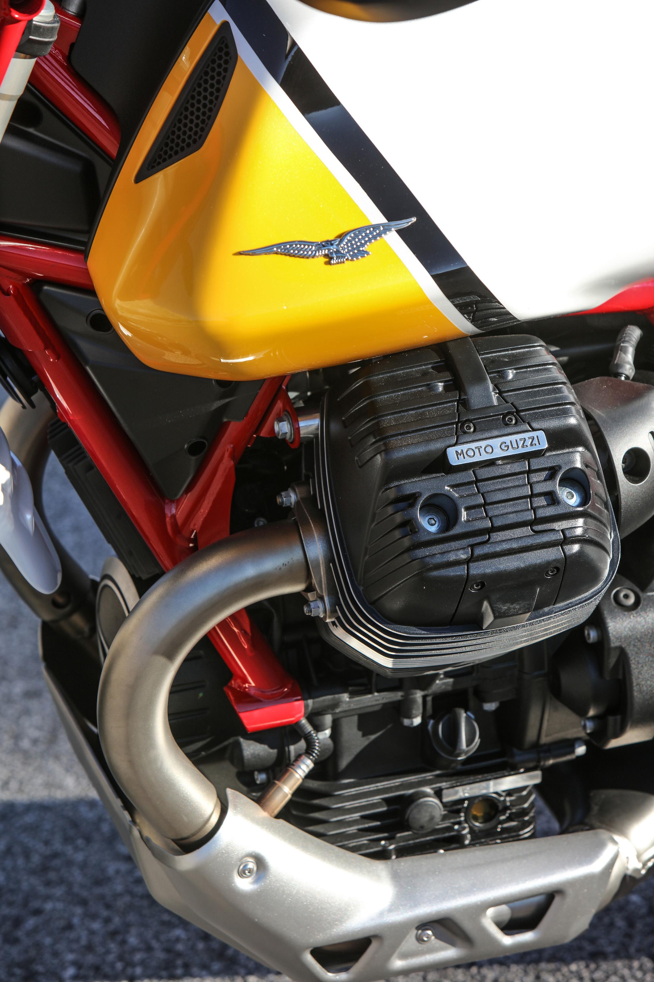 29 Moto Guzzi V85 TT