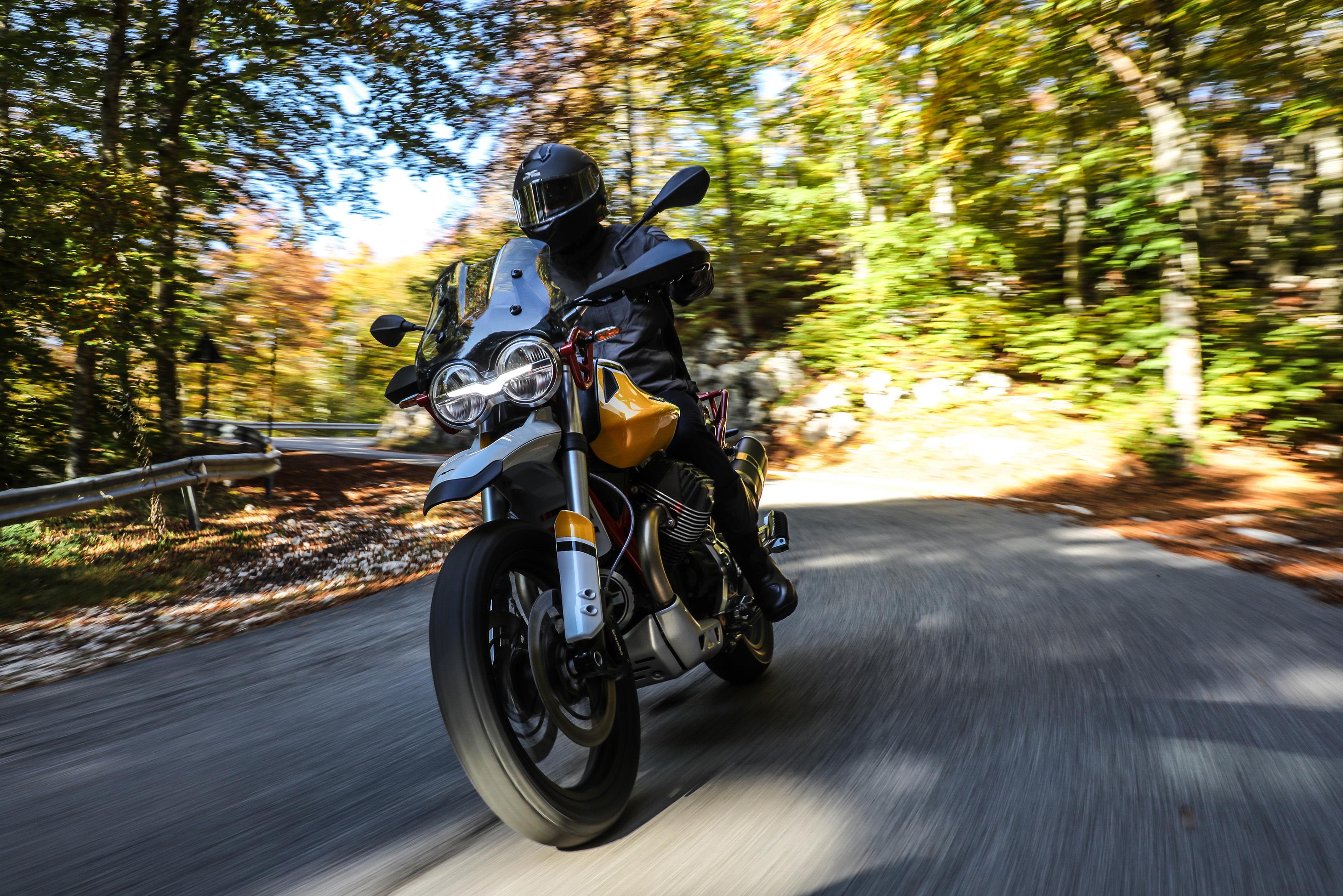 58 Moto Guzzi V85 TT