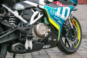 CFMoto300SR 15