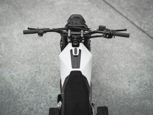 Honda NX650 Dominator V13 2