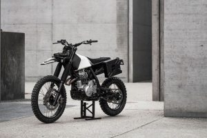 Honda NX650 Dominator V13 7