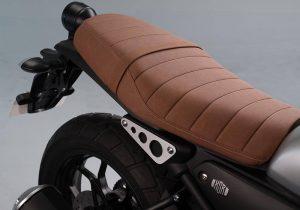 Yamaha XSR155 asiento 1