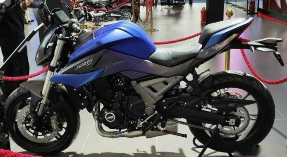 QJ MOTOR SRG700 4