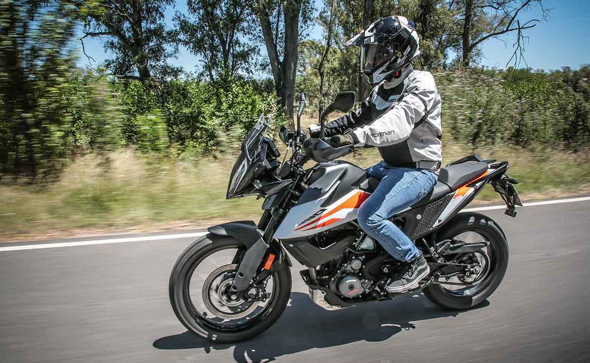 KTM 390 Adventure en ruta