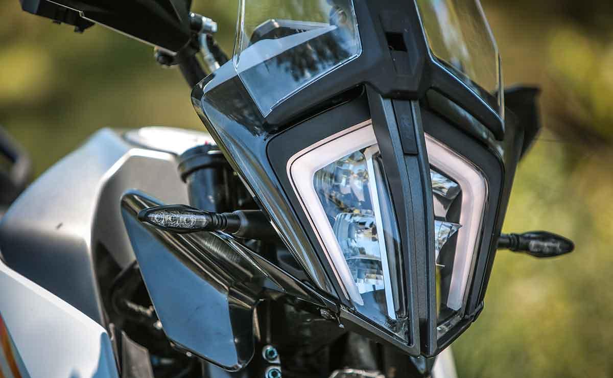 KTM 390 Adventure optica delantera