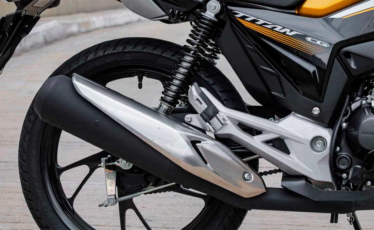 Honda CG 160 suspension trasera y escape