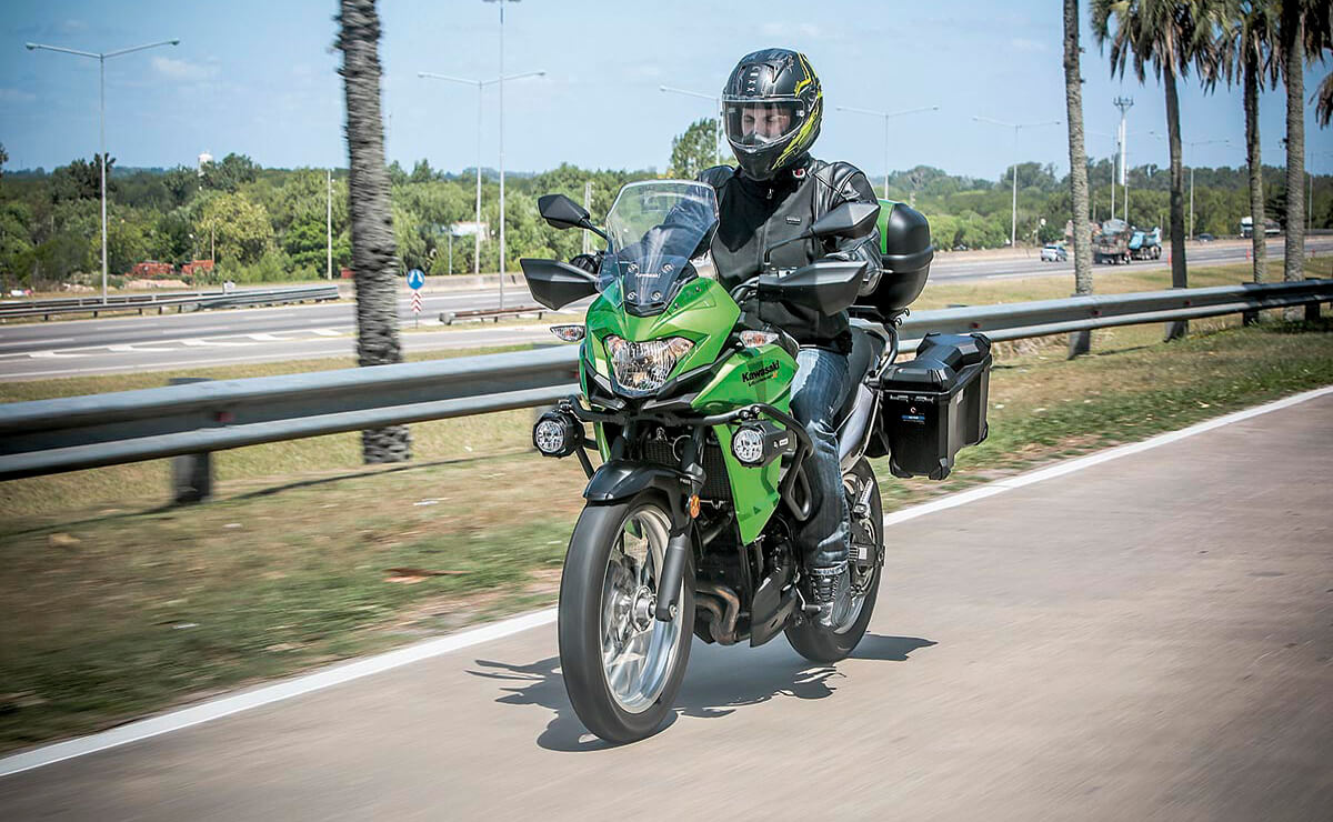 Kawasaki Versys 300 accion