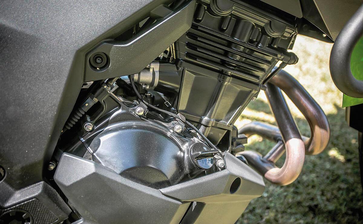 Kawasaki Versys 300 detalle motor
