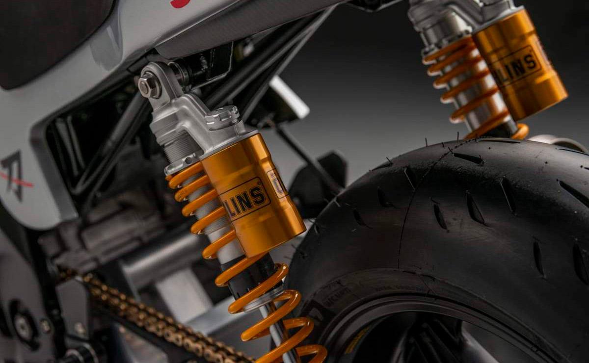Suzuki Katana GSX-R 1000 detalle doble suspension trasera Öhlins