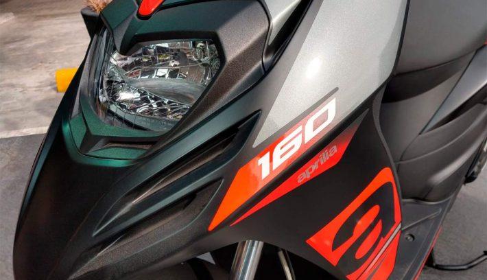 Aprilia RS160 detalle faro principal