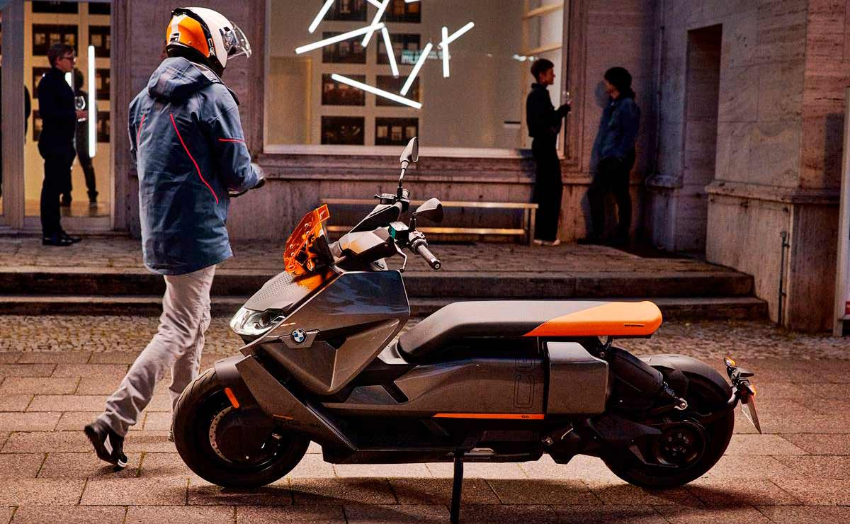 BMW CE-04 lateral izquierdo