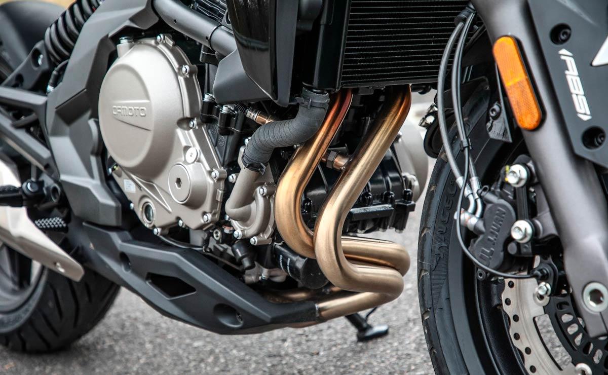 CFMoto RZ 650 motor
