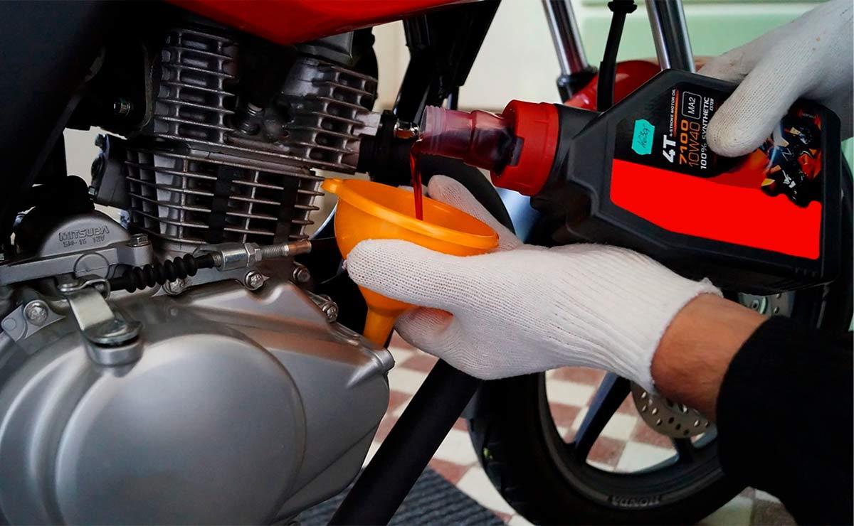 Cuál es el mejor aceite para moto cambio de aceite