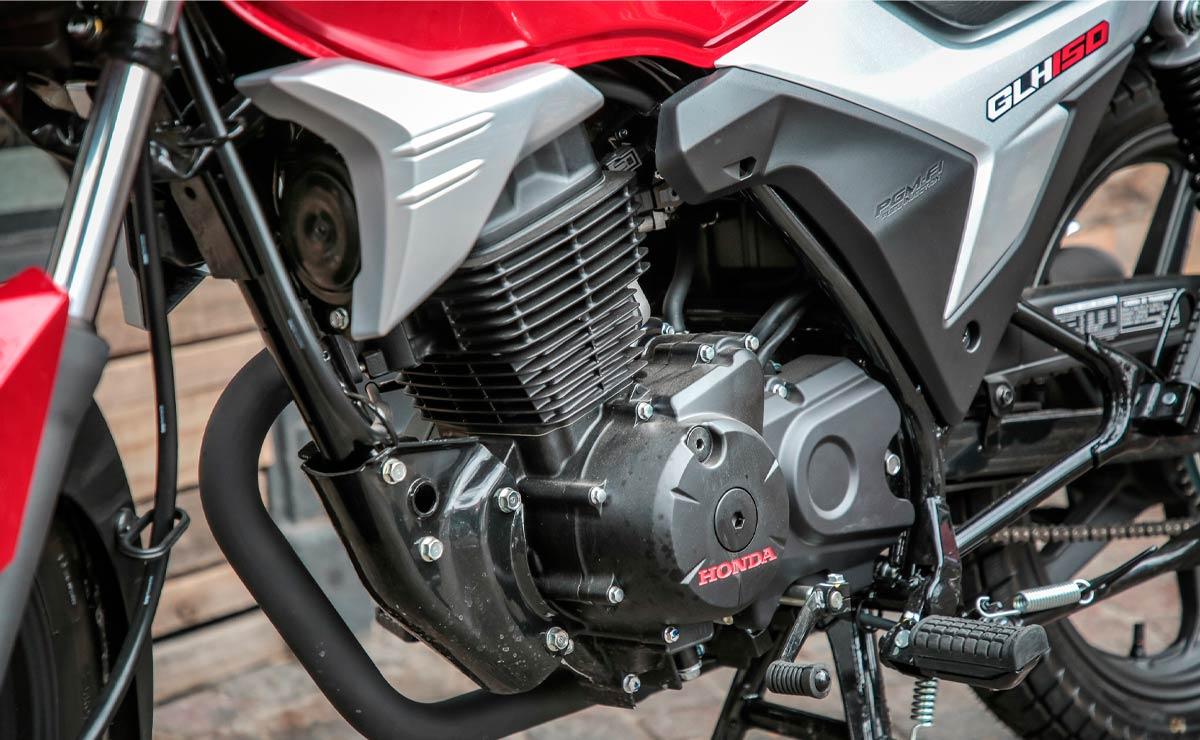 Honda gaucha GLH 150 roja detalle motor