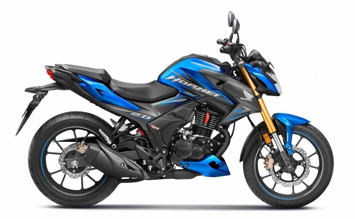 Honda Hornet 2.0 azul vista lateral derecho