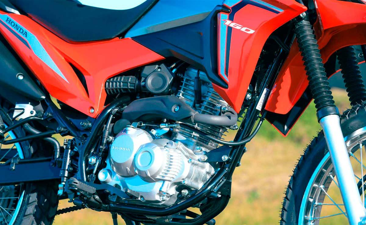 Honda NXR 160 Bros detalle motor