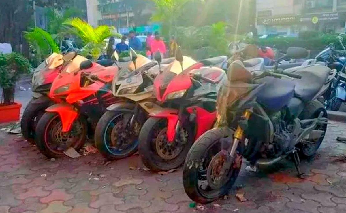 Honda Yamaha Kawasaki cementerio de motos