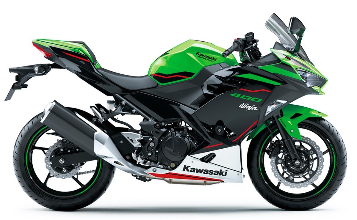 Kawasaki Ninja 400 KRT verde lateral derecho fondo blanco