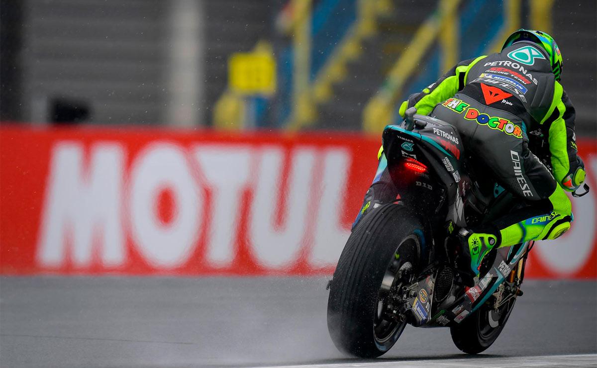 Valentino Rossi a bordo de su Yamaha