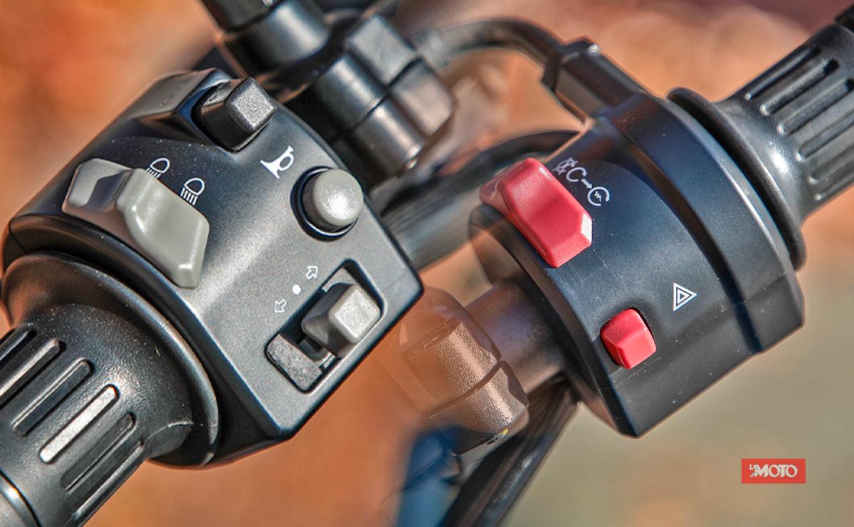 Zanella RZ400 by CFMoto detalle comandos en piñas