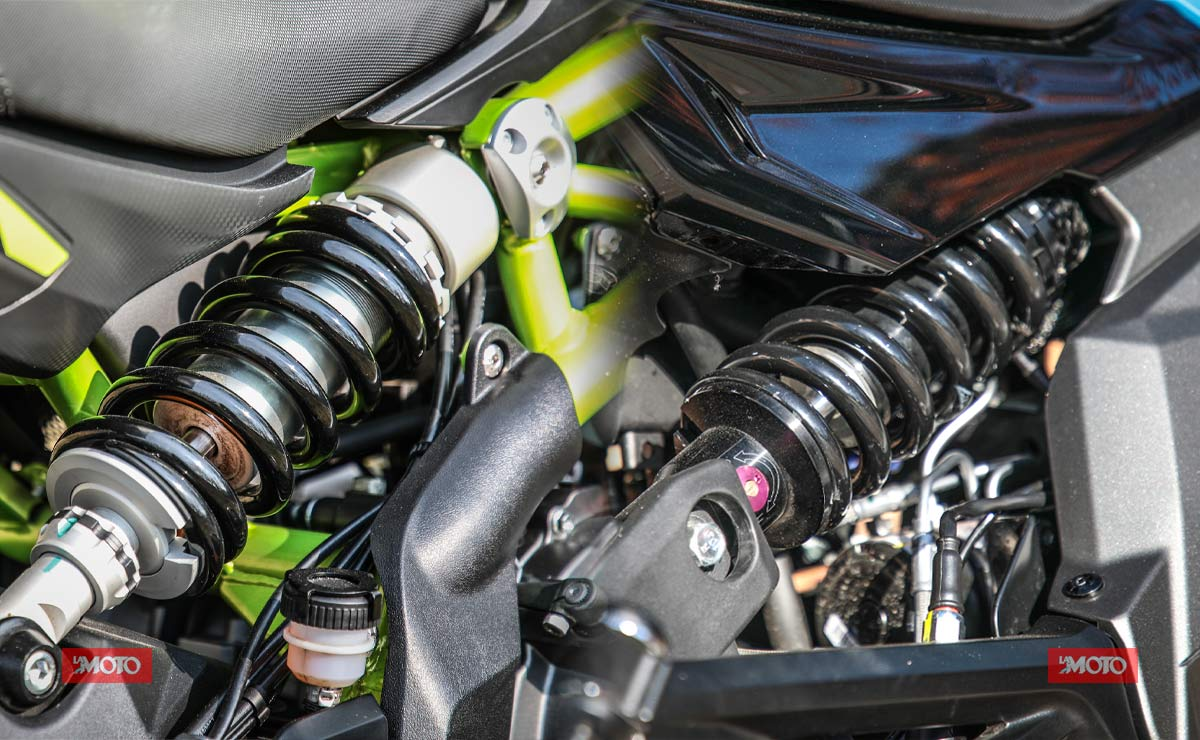 Benelli 302S vs CFMoto RZ400 comparativa suspensiones