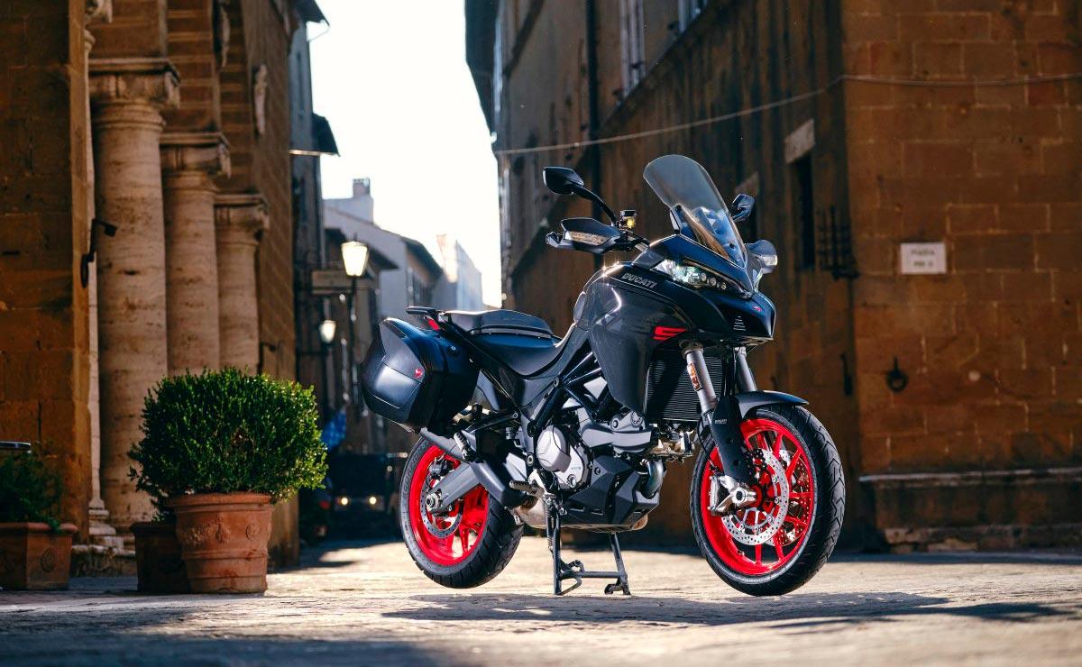 Ducati Multistrada V2 2022 gris