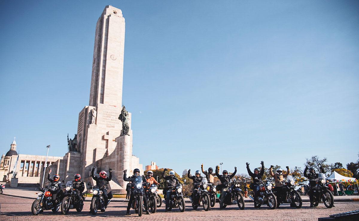 Tour Argentina 2021 Royal Enfield Monumento a la Bandera