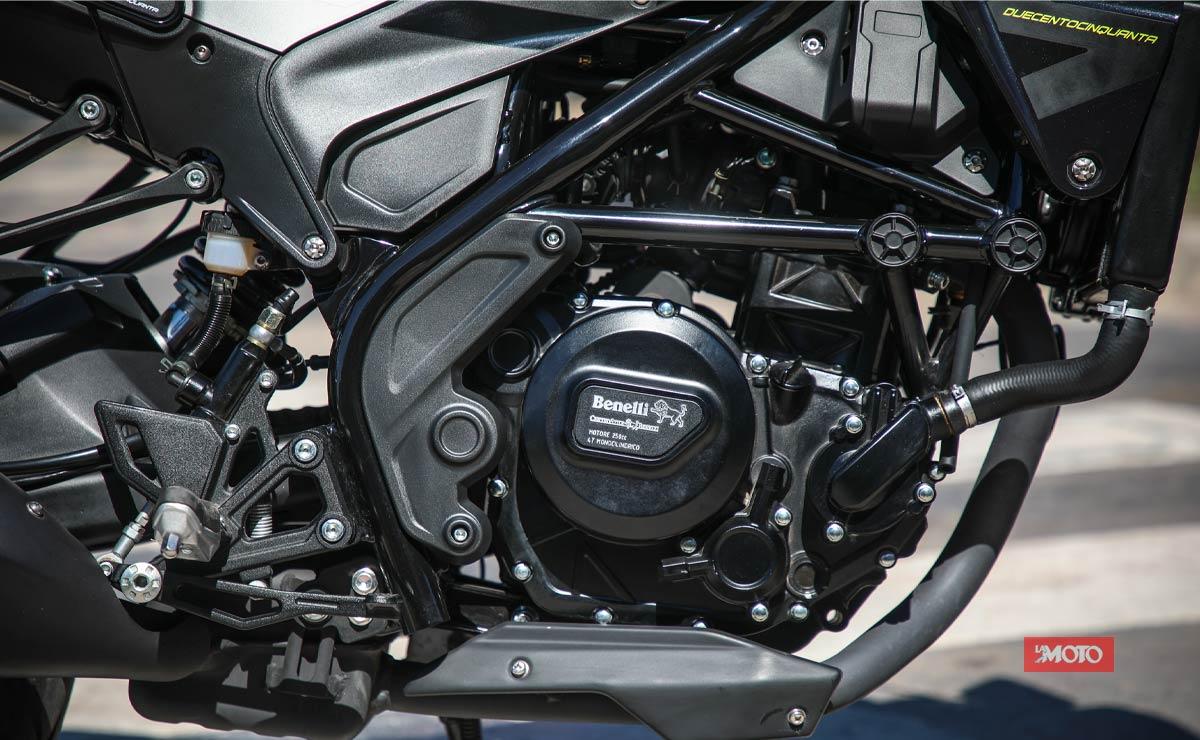 Benelli Leoncino 250 detalle motor