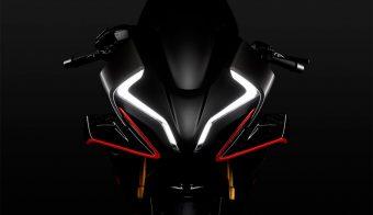 CFMoto RS posible 990 motor KTM negra vista frontal