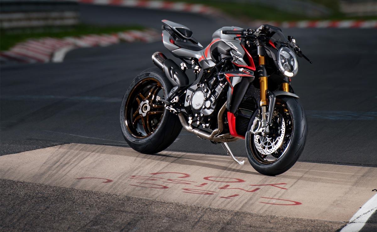 MV Agusta Brutale 1000 RR Nürburgring en circuito