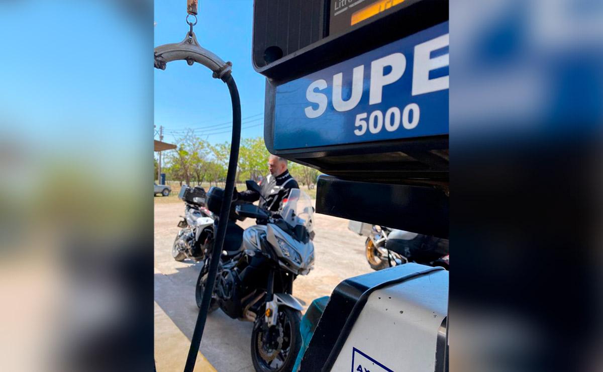 Viajar en moto combustible