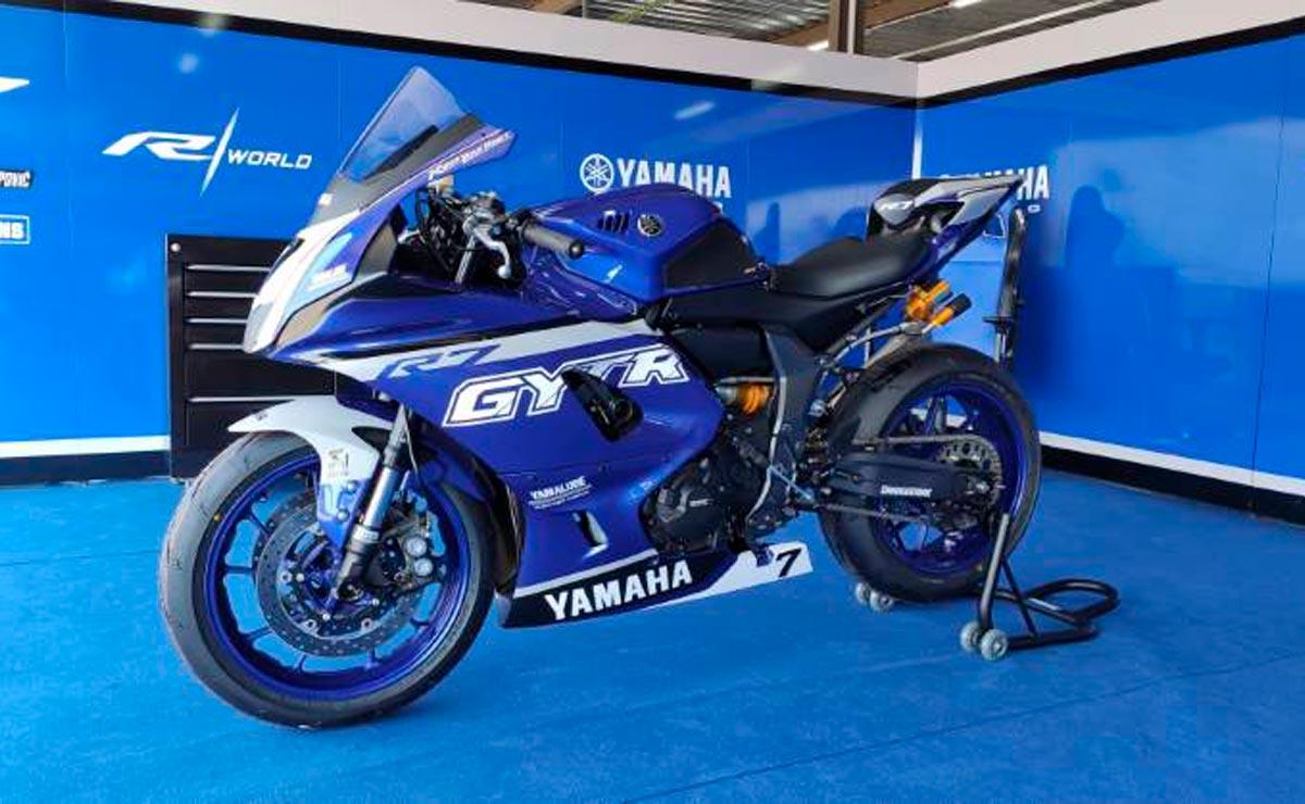 Yamaha R7 Kit Race azul boxes